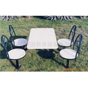 款式新颖、结实耐用学生餐桌椅
