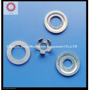 提供五金冲压模,塑料模和橡胶模具的设计制作和冲压件的加工