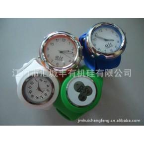 批发供应硅胶手表、啪啪表、时尚手表果冻表颜色多可印LOGO