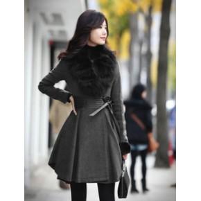 2011新款冬装灰黑色经典毛领百褶真皮收腰毛呢大衣