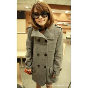 2011秋冬新款韩版热卖双排扣翻领修身气质款毛呢外套