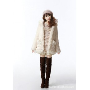 2011秋冬新款韩版热卖毛毛流苏边连帽毛绒外套
