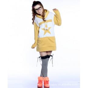 2011秋冬新款韩版热卖时尚拼色五角星全棉加绒加长版卫衣