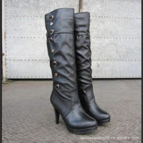 春秋冬季新款时尚高跟鞋女式高筒靴防水台皮面欧美铆钉长靴