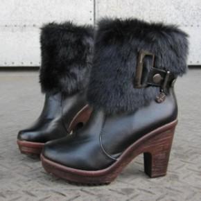 秋冬季新款韩版毛毛短靴女欧美粗跟厚底防水台时尚高跟潮鞋