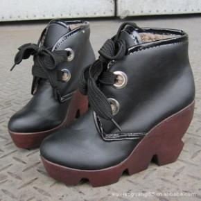 春秋冬季新款时尚甜美短靴子女欧美坡跟防水台厚底松糕鞋特价