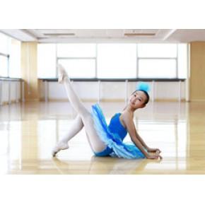 青岛成人芭蕾舞到哪里学 白领女性学芭蕾舞青岛红舞裙