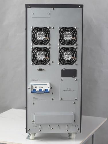 智能电源监控管理软件: 支持microsoft windows95/98/me/nt/2000/xp