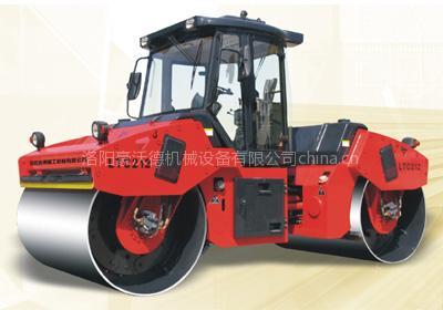 LTC212/210/208 全液压双驱双钢轮振动压路机
