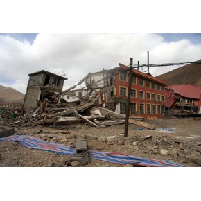 房屋拆除施工的管理和环境保护措施  4000781886