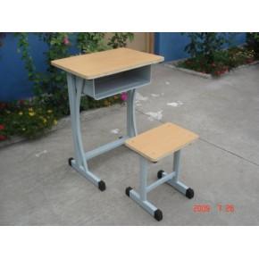 厂家热销学校课桌椅