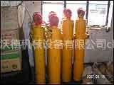 东方红挖掘机配件油缸