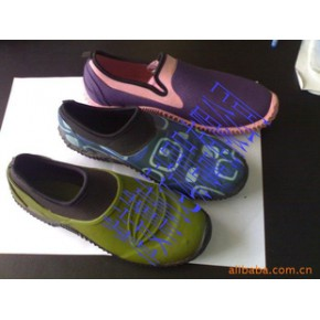 橡胶硫化鞋,花园鞋,neoprene材质的,适合在花园穿着