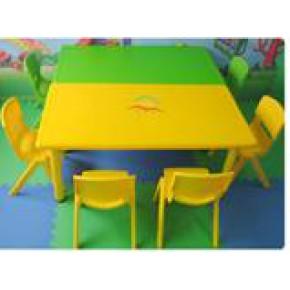 昆明幼儿园桌椅厂家13668740950