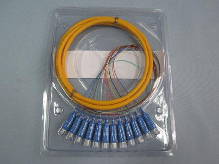 束状尾纤(12芯)SC/PC-1.5M