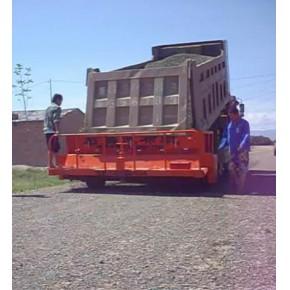 西安万里推行式碎石撒布机能撒大料1-60mm
