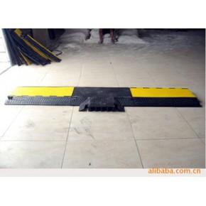 橡胶马道四槽三通连接 碳黑、再生