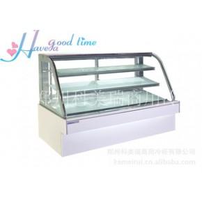 白色款弧形蛋糕柜,外观精美,透明感强,适合人们的审美观。