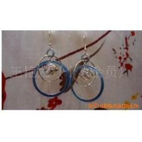 :韩版三色金滴油立体小鱼式耳环