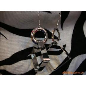 :韩版明星佩戴版时尚镀金抛光耳环
