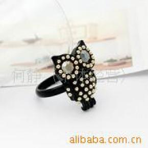人气黑色镶钻猫头鹰韩国明星戒指