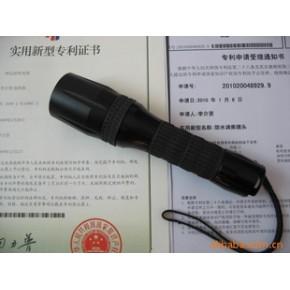 强光调焦潜水电筒照射距离可达200米水下射程20米