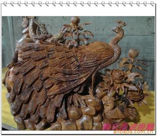 木雕 红豆杉精雕孔雀