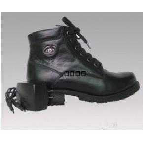 充电保暖鞋,鞋内镶嵌大量纯真羊毛,穿着舒适