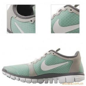 耐|克跑鞋 运动鞋 绿灰白 女鞋