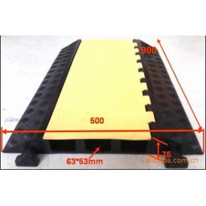 橡胶减速过线桥 承载6吨/m2