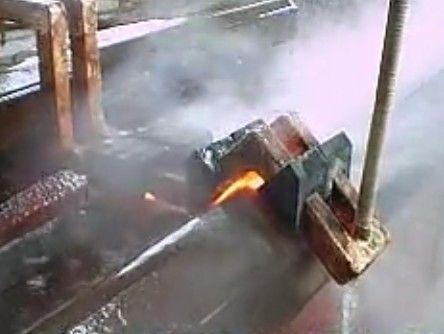 V型槽导轨淬火机床