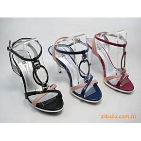 2010新款达芙妮凉鞋 特价批发三种颜色