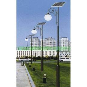 太阳能庭院灯厂家生产的太阳能路灯供不应求