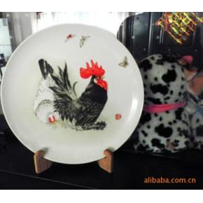 【名人名作】景德镇著名陶瓷艺术家章鉴《大吉叠舞图》