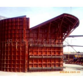 鼎力始建于2001年 生产各种桥梁模板