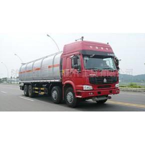 中国重汽斯太尔前四后八油罐车