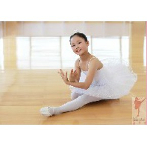 青岛芭蕾舞培训 芭蕾舞培训 专业芭蕾舞培训学校红舞裙