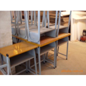 韶关课桌椅厂,专业生产课桌椅,欢迎有需要的人士来图来样定做。